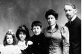 Jean Piaget, ses parents et ses soeurs